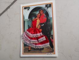 VDS CARTE POSTALE  BRODEE COUPLE DE DANSEURS ESPAGNOL ROBE TISSU ROUGE AVEC POINTS DORES CORSET TISSU ROUGE ET OR - Dances
