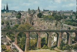 Luxembourg Le Viaduc De Clausen Le Rocher Du Bock Et La Ville Hauteses Voitures - Luxembourg - Ville