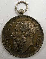 Décoration Leopold II Roi Des Belges Souvenir Du 5 Aoùt 1897 Médaille Sans Ruban Diam 4cms Voir Scanns Pour Détail - Belgique