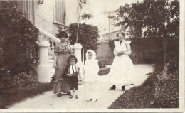 CARTE PHOTO  A IDENTIFIER -    Photo D´enfants Préparant La Communion  - 100913 - Cartes Postales