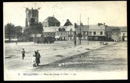 Cpa  Du  50  Bricquebec  Place Du Champ De Foire     6ao38 - Bricquebec