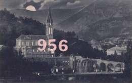 CPA * * LOURDES * * La Basilique Et La Grotte La Nuit - Lourdes