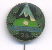 CLIMBING Mountaineering ALPINISM CROATIA, RISNJAK 35 - COMMEMORATIVE PIN BADGE. - Alpinism, Mountaineering