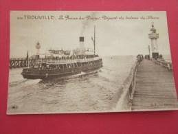 """CPA LE PHARE The Lighthouse Trouville """" La Reine Des Plages"""" Départ Du Bateau Du Havre Grand Phare , Navire ,boat ,ship - Faros"""