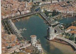 France - CP La Rochelle  (17) Tour St Nicolas Et Tour De La Chaîne. Lo Port Et Le Bassin De Yachts - France
