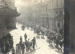 PICARDIE - 80 - SOMME - AMIENS - 1er Septembre 14 - Entrée Des Allemands En Ville - Défilé Cavalerie UHLAND - Animation - Guerre 1914-18
