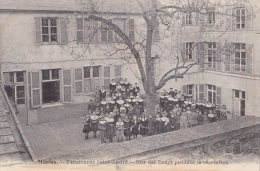 MANTES/78/Pensionnat Saint-André Une Des Cours Pendant La Récréation/ Réf:C1409 - Mantes La Ville