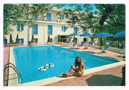 E2881 Castellaneta Marina (Taranto) - Via Sputnik - Hotel Villa Giusy - Ragazza Girl Femme Frau / Non Viaggiata - Other Cities