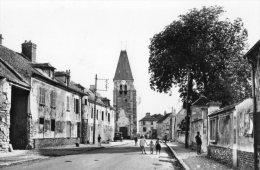 EPIAIS-LES-LOUVRES LA GRANDE RUE - France