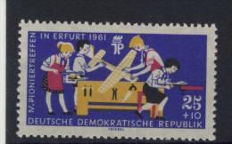 DDR Michel No. 829 Y ** postfrisch