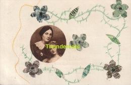 CPA ILLUSTRATEUR DECOUPAGE MONTAGE TIMBRES - Timbres (représentations)