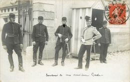 Carte Photo - Saumur - Guérite Du Poste De Garde - Phot; L. Nicod - Bel Etat Et Beau Plan (voir 2 Scans) - War 1914-18