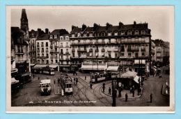 NANTES - Place Du Commerce + Tramways - Carte Photo - Nantes