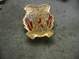 Pin´s Des Sapeurs Pompiers De MITTELWIHR (Dépt 68). - Firemen