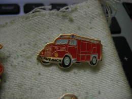 Pin´s Du Camion Des Sapeurs Pompiers De DURMENACH  (Dépt 68). - Bomberos