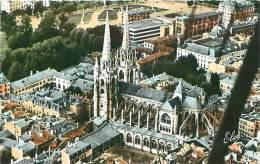 64 - BAYONNE - Vue Aérienne De La Cathédrale (Ed. L. Chatagneau, 533) - Bayonne