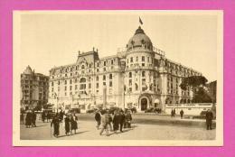 CPA  FRANCE  06  -  NICE  -  Hôtel Négresco - Promenade Des Anglais  ( Animée ) - Cafés, Hotels, Restaurants
