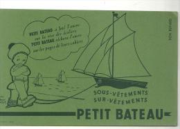 Buvard Petit Bateau Sous-vêtements, Sur-vêtements Des Années 1960 Couleur Verte - Textile & Vestimentaire
