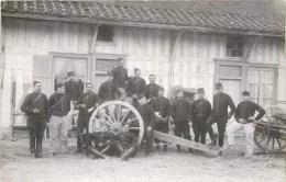 CARTE PHOTO : REGIMENT MILITAIRE ET ARTILLERIE DE CAMPAGNE GUERRE SOLDAT - Matériel