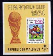 Maldive Islands - 1974 - Football World Cup Finals Miniature Sheet - MH - Maldives (1965-...)