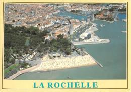 17 LA ROCHELLE LA PLAGE DE LA COUCURRENCE LES TOURS ET LE VIEUX PORT / VUE AERIENNE - La Rochelle