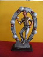 Trophée De Pétanque, Sculpture De 20 Cm Ht -Trophy Bowls, Sculpture 20 Cm Ht - Bocce