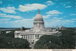 B73295 Wisconsin State Capitol Madisun   2 Scans - Madison