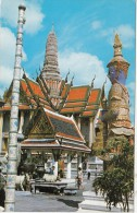 B73320 Inside The Grounds Of Wat Kea Bangkok Emerald Buddha 2 Scans - Thailand