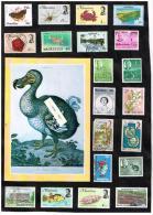 20 Timbres Collés Sur Feuille + Carte Effigie Du Dodo - Maurice (1968-...)