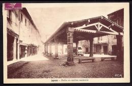 CPA ANCIENNE- FRANCE- LAGRASSE (11)- LA HALLE EN TRES GROS PLAN ET LES VIEILLES MAISONS- COMMERCES - Sonstige Gemeinden