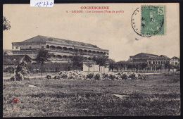Cochinchine : Saïgon - Les Casernes Vues De Profil ; Timbre Indochine Française - Ca 1906 (12´770) - Viêt-Nam