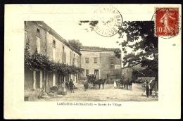 CPA ANCIENNE- FRANCE- LABECEDE-LAURAGUAIS (11)- ENTRÉE DU VILLAGE EN GROS PLAN- ANIMATION- 2 BEAUX ATTELAGES- VIGNE MUR - Frankreich
