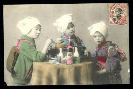 Cpa Du Viet - Nam  Saïgon Jeunes Filles à Table    MABT39 - Vietnam