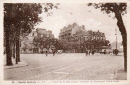 - CPA  - 44 - NANTES MODERNE - Place De La République - 348 - Nantes