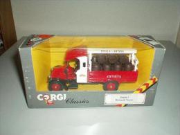 CORGI CLASSICS D889/1 RENAULT TRUCK STELLA ARTOIS - Corgi Toys