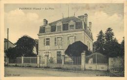 86 PAYROUX LA PLACE - Frankrijk