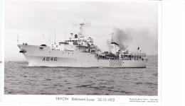 Batiment Militaire Triton Marine Nationale A 646 Batiment Base 25-10-1972 De Proue Avec Equipage  Marius Bar - Guerre