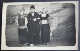 Volendam 1947, Photo Carte Montage Surréalisme - Folklore, Accordéon - Pays-Bas