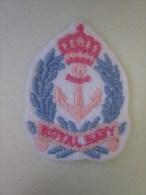 MILITARIA Armée Française écusson Militaire  Tissu La Royal Navy Est La Marine Militaire Du Royaume-Uni. - Patches