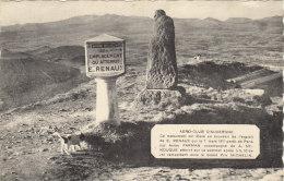 Le Monument Commémoratif De L'atterrissage De L' Aviateur RENAUX Au Sommet Du PUY DE DOME - France