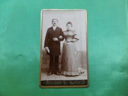 ANCIENNE  PHOTO  SUR CARTON  / PORTRAIT DE COUPLE /  LEON CARON   - AMIENS - Photographs