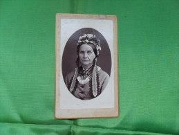 ANCIENNE  PHOTO  SUR CARTON  / PORTRAIT DE  FEMME - Ancianas (antes De 1900)