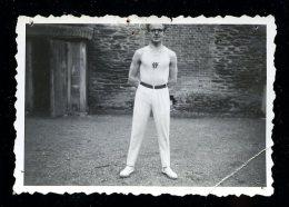 Photo Originale 8,7 Cm X 6 Cm Athléte Gymnastique Fougères Dans Le 35 Vers 1930/40 --  MABT42 - Photographie