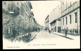 73 ALBERTVILLE / Rue De La République / - Albertville