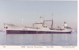Batiment Militaire Marine Nationale Isere Petrolier Ravitailleur A 675 Couleur Vue De Proue N°145 19-6-1975 Marius Bar - Guerre
