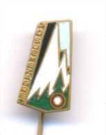 CLIMBING MOUNTAINEERING ALPINISM, SLJEME CLUB - ZAGREB, Their First Pin From 1950. RARE! - Alpinism, Mountaineering