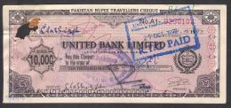 PAKISTAN 10000 RUPEE TRAVELLERS CHEQUE UNITED BANK LIMITED 1997, As Per Scan - Bank & Insurance
