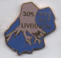 Superbe Pin´s En EGF , Ville De Livernon , 305. 1992 - 1927 , Lot - Città