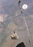 CPSM PARACHUTISME PARACHUTISTE PARACHUTE SE DEPLIANT - Paracadutismo