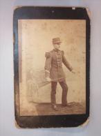 Photo Ancienne S/carton. Militaire Et Epée. - Guerra, Militares